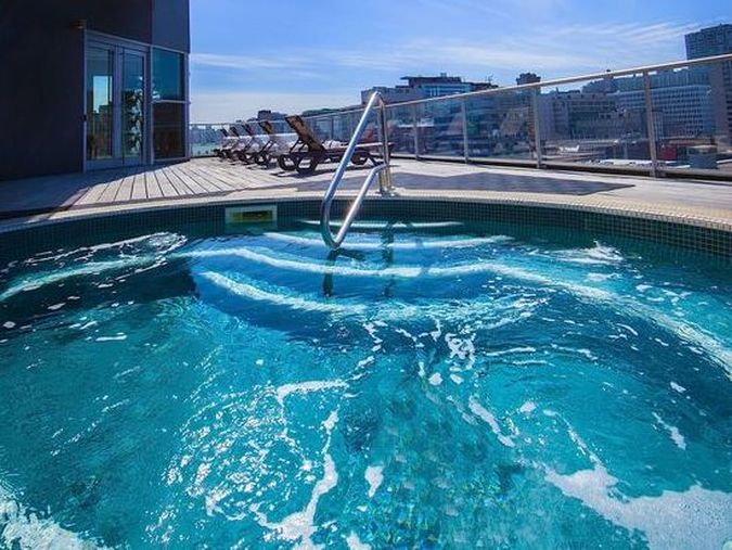 Hotel Le Crystal Outdoor Jacuzzi